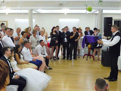 Pokaz iluzjonisty na weselu